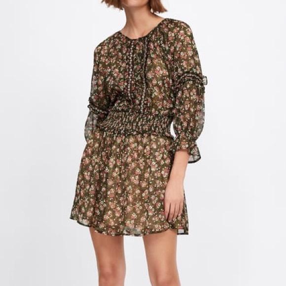 Zara Dresses & Skirts - Zara Floral Print Dress